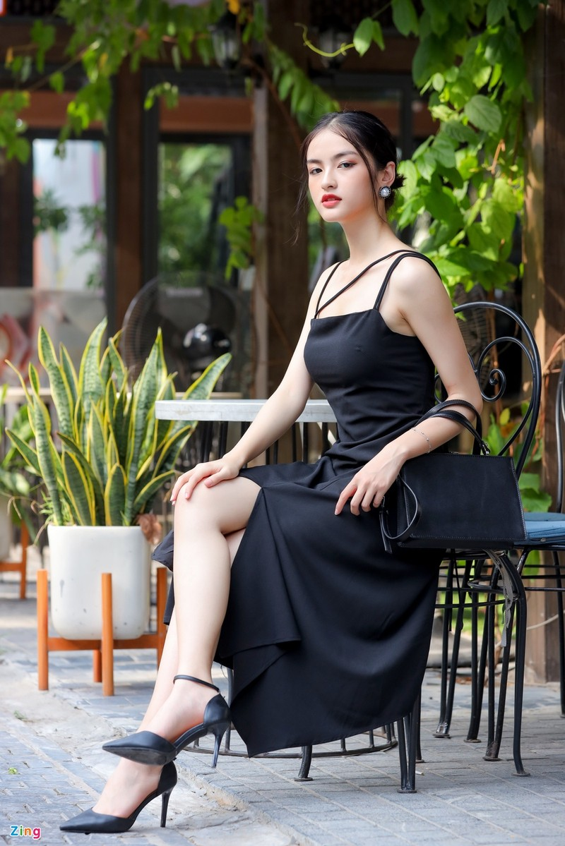 Anh doi thuong nu sinh thi Hoa hau Viet Nam 2020
