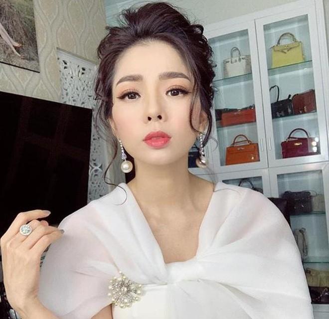 Le Quyen: Khong co chuyen toi phai dung lai danh ghen