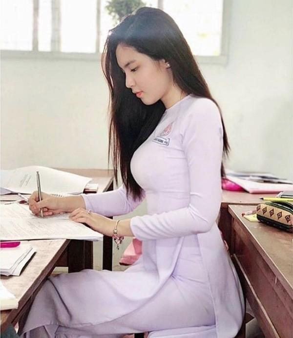 Nu sinh cap 3 mac ao dai dep nhu nu than-Hinh-15