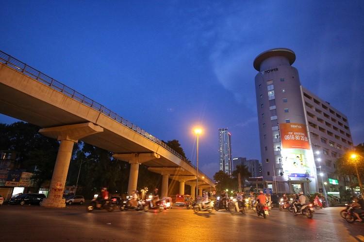 """Cận cảnh 5 tuyến đường """"đắt giá nhất hành tinh"""" ở Hà Nội, có nơi lên tới 3,1 tỉ đồng/m2 - 1"""