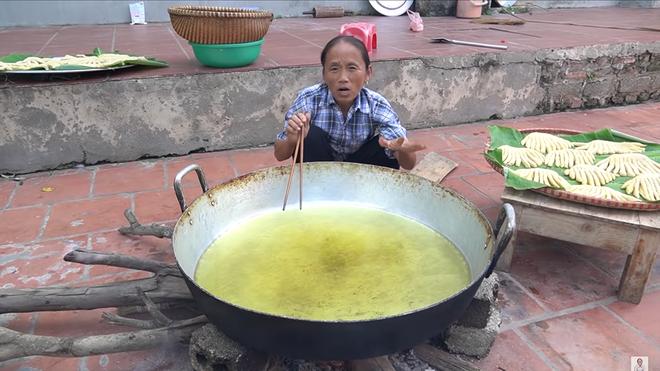 Ba Tan Vlog bi soi nau an mat ve sinh-Hinh-5