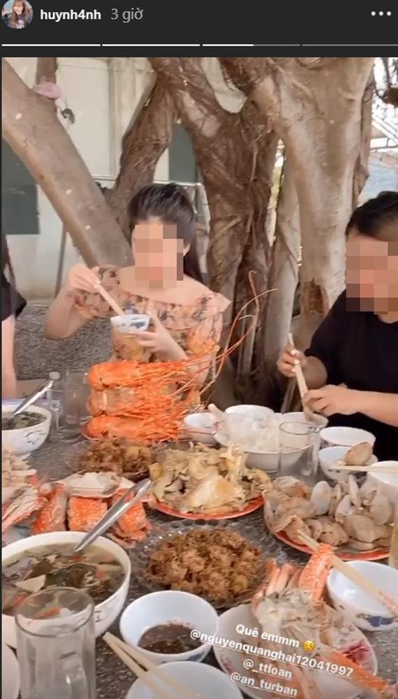 Quang Hai ra mat me Huynh Anh-Hinh-3