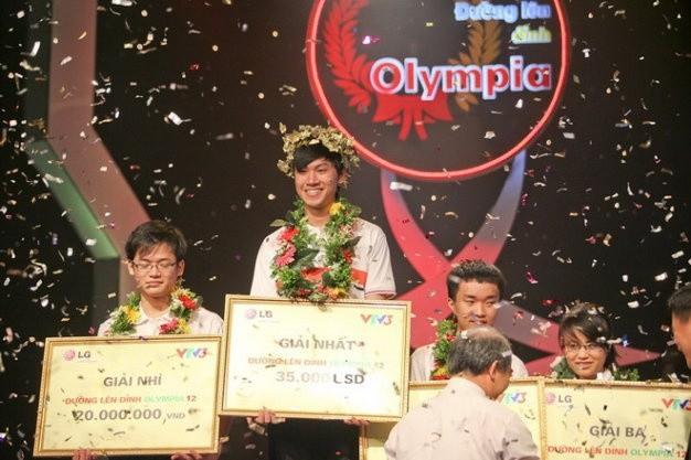 A quan 'Duong len dinh Olympia' 2012 thanh dat, ve Viet Nam lam viec
