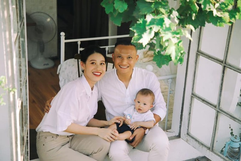 Duy Manh, Trong Hoang khoe anh Trung Thu ben vo con