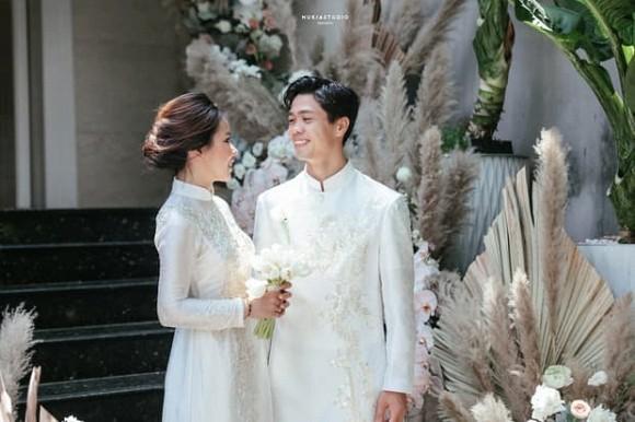 Tro ly thay Park danh loi khen cho vo cua Cong Phuong
