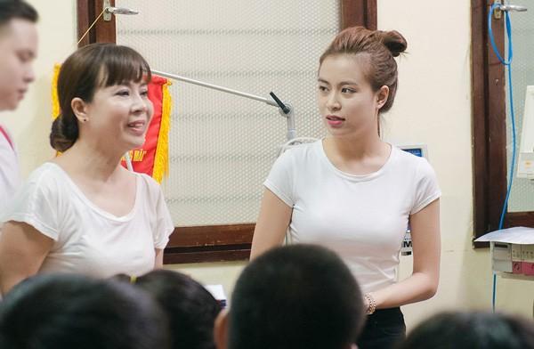 Hoang Thuy Linh ke lai thuo me ngoi khau do dien cho co-Hinh-6