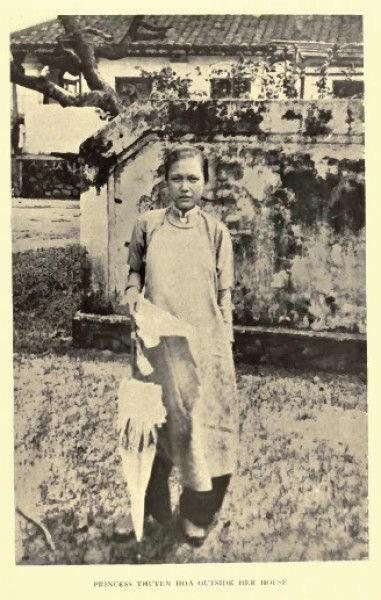 Bi hai cong chua trieu Nguyen-Hinh-2