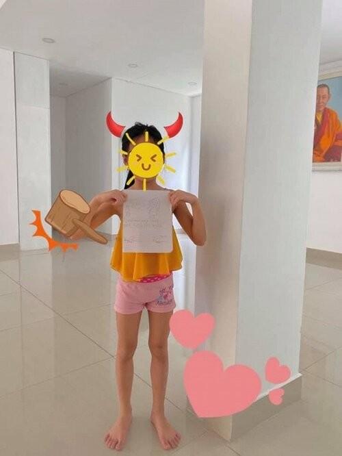 Con gai cua Thuy Tien lon phong phao gay ngo ngang-Hinh-2