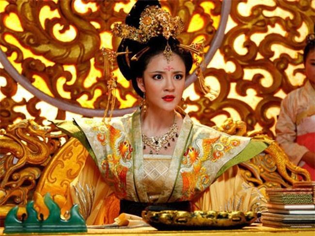 Vụ đánh ghen kinh hoàng của vị Hoàng hậu ghen tuông vô lối trong lịch sử Trung Hoa: Hộp quà gửi chồng chứa thứ đồ khiến tất cả khiếp hãi - Ảnh 3.
