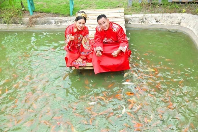 Dao dien Quyen Loc tu tay trang den co ngoi tien ti-Hinh-2