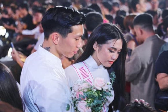 Do sac giua tinh cu Doan Van Hau va ban gai tin don hien tai-Hinh-9