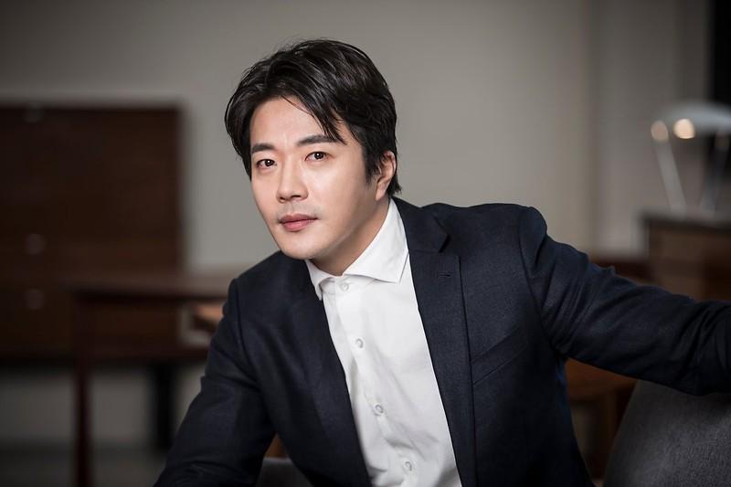 Ong hoang nuoc mat Kwon Sang Woo gio ra sao?-Hinh-3