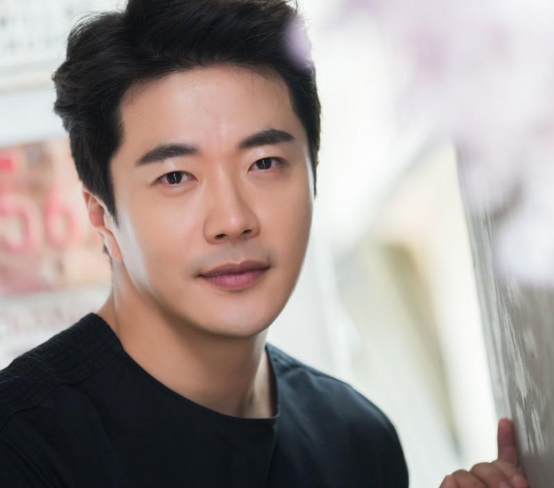 Ong hoang nuoc mat Kwon Sang Woo gio ra sao?-Hinh-4