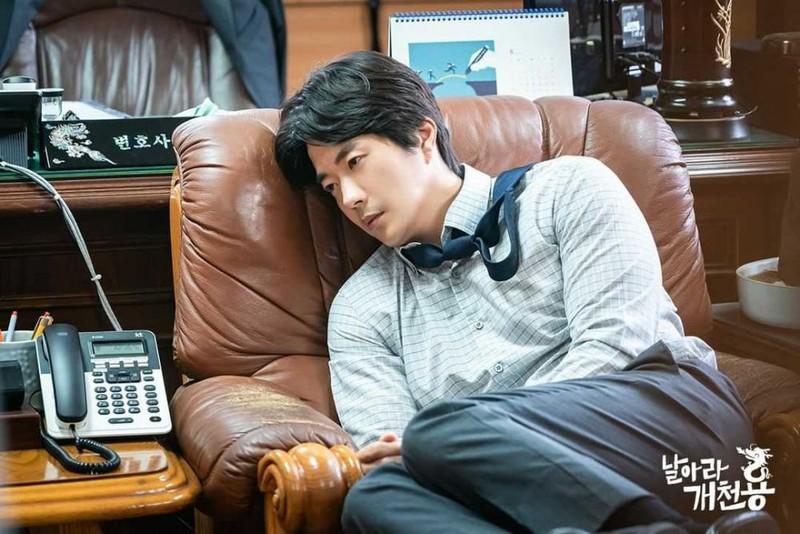 Ong hoang nuoc mat Kwon Sang Woo gio ra sao?