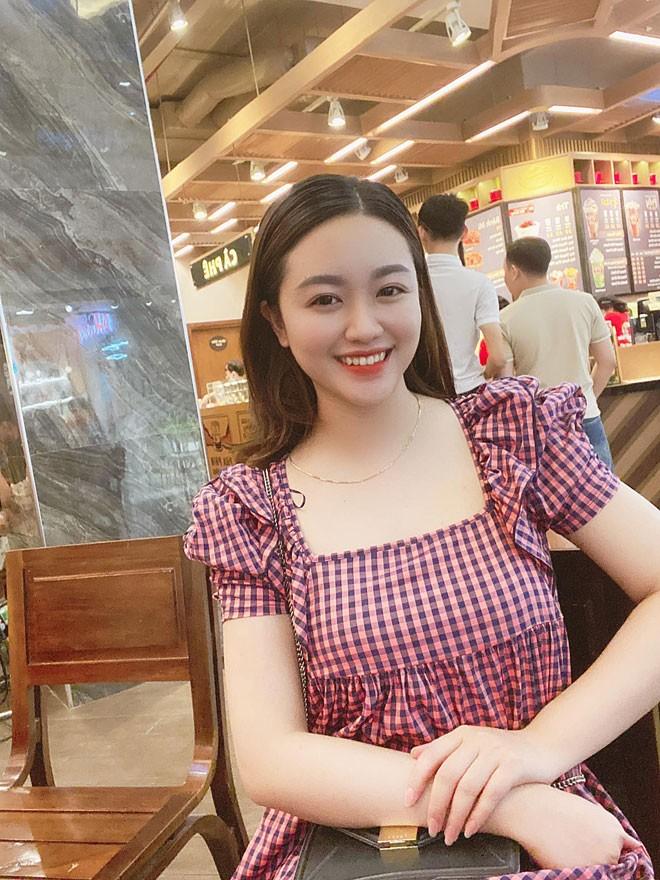 Vi hon the xinh nhu hot girl cua cau thu Xuan Manh-Hinh-5