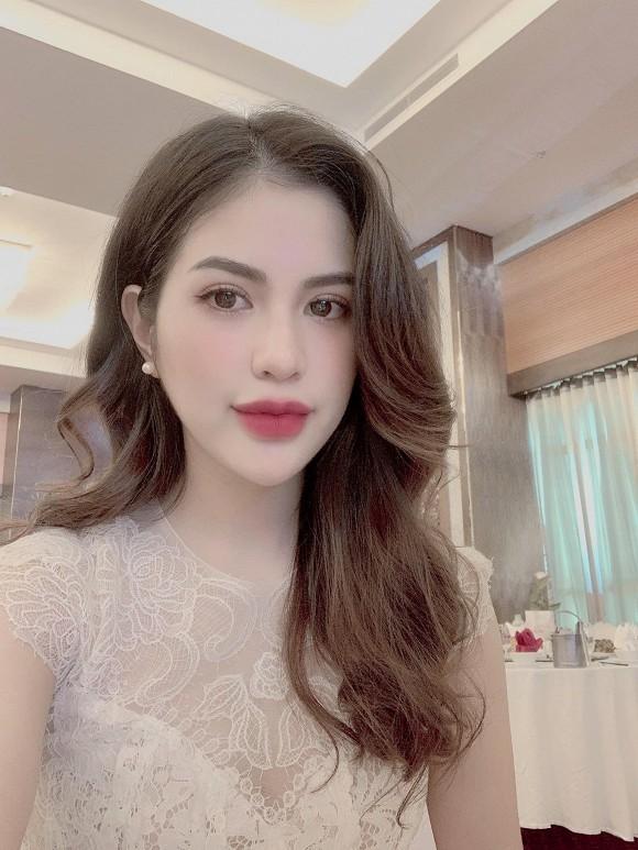 Huong Tran dang anh chong cu Viet Anh cham con-Hinh-5