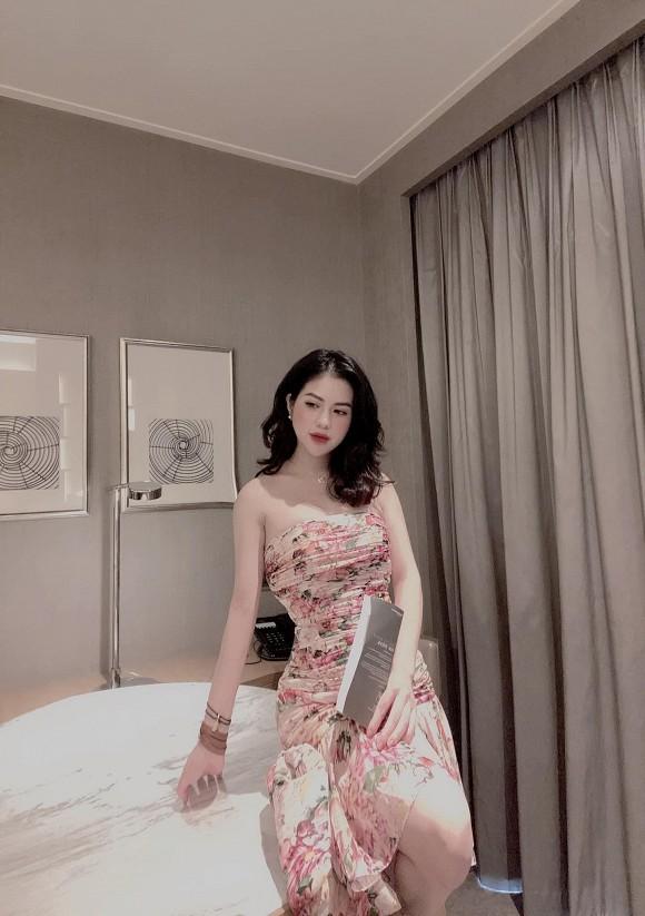 Huong Tran dang anh chong cu Viet Anh cham con-Hinh-6