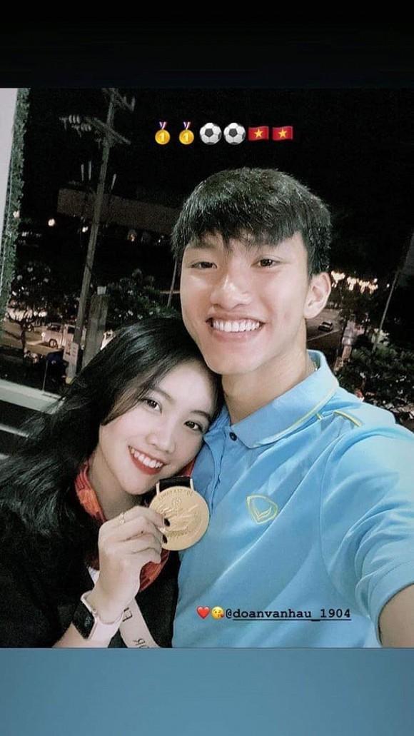 Man do sac giua tinh cu Doan Van Hau va ban gai tin don-Hinh-2