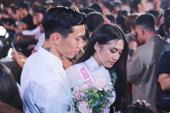 Man do sac giua tinh cu Doan Van Hau va ban gai tin don-Hinh-9