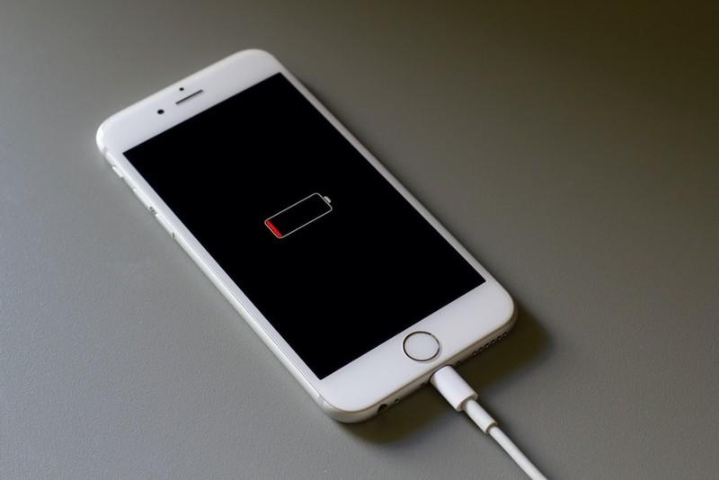 Bi kip giup tang gap doi thoi luong pin tren iPhone-Hinh-2