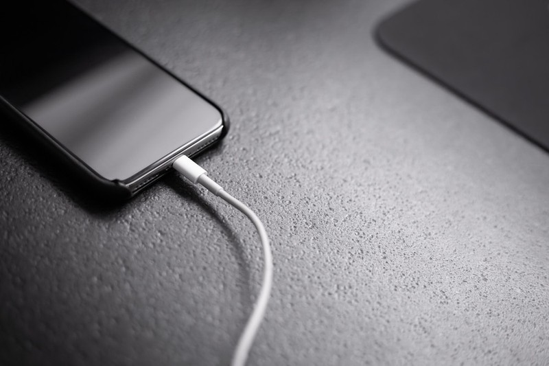 Bi kip giup tang gap doi thoi luong pin tren iPhone