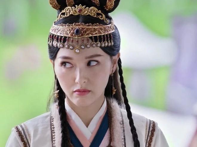 Nhung vai dien cua sung lam nghe cua my nhan Hoa ngu-Hinh-4