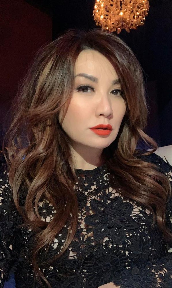 Trizzie Phuong Trinh noi ve kho khan cua me don than
