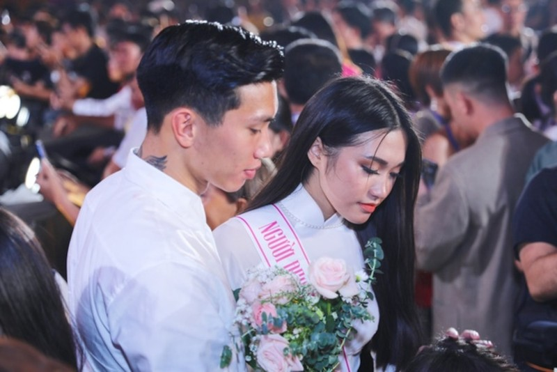 Ban gai tin don Doan Van Hau bi che nhan sac kem lung linh-Hinh-5