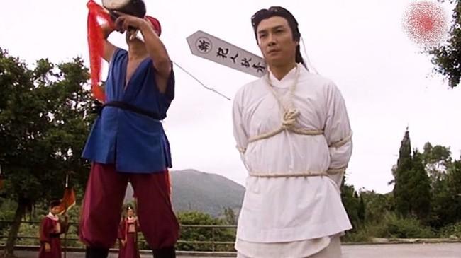 Vi sao dao phu Trung Hoa lai phun ruou len luoi dao truoc khi xu tu?-Hinh-2