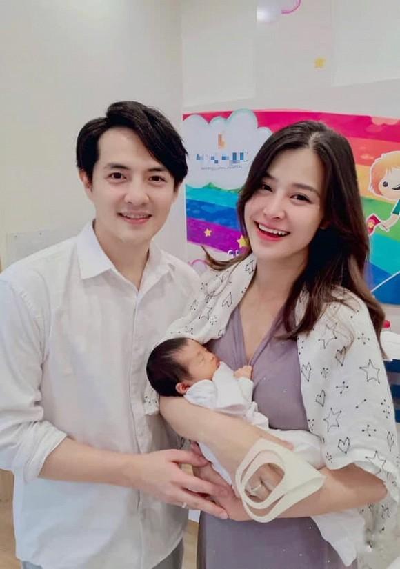 Dong Nhi ke chuyen Ong Cao Thang dung chuan ong chong quoc dan-Hinh-3