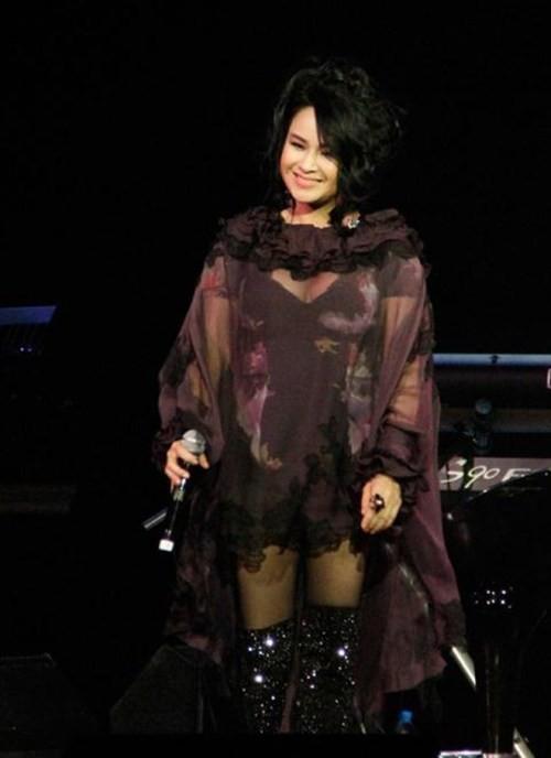 Diva Thanh Lam bi che dung phu kien kem sang-Hinh-10