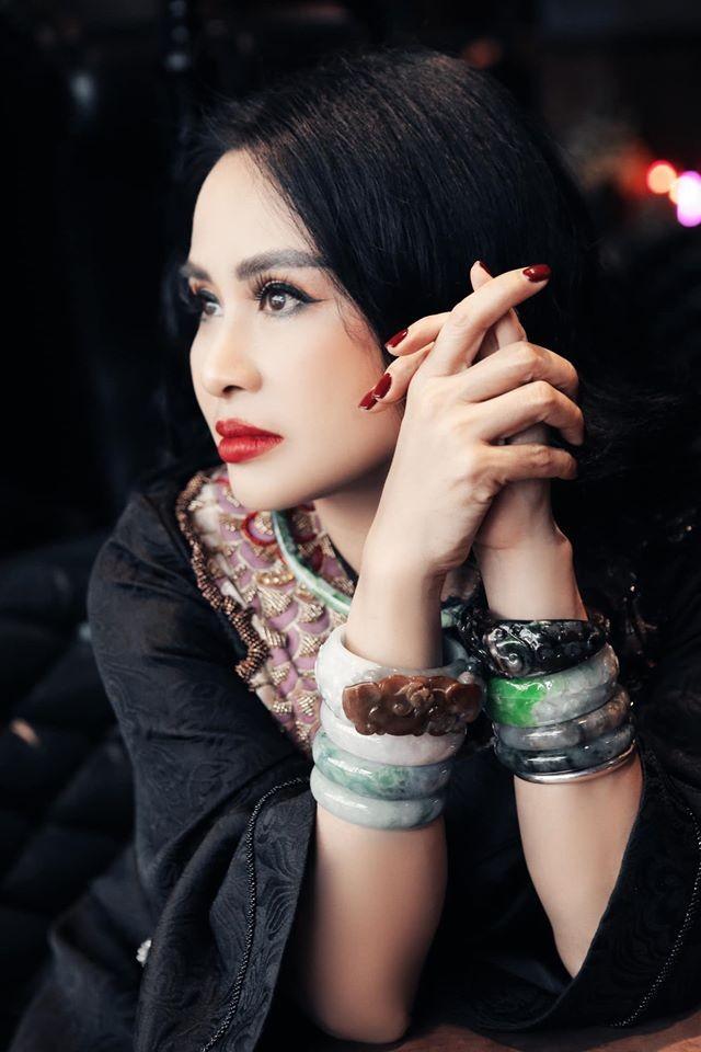 Diva Thanh Lam bi che dung phu kien kem sang-Hinh-8