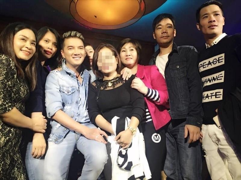 Fan ruot cua Dam Vinh Hung qua doi-Hinh-3