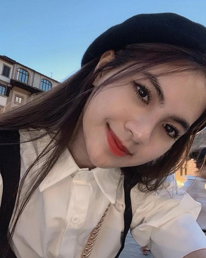 Gai xinh bi don mung sinh nhat cung Quang Hai