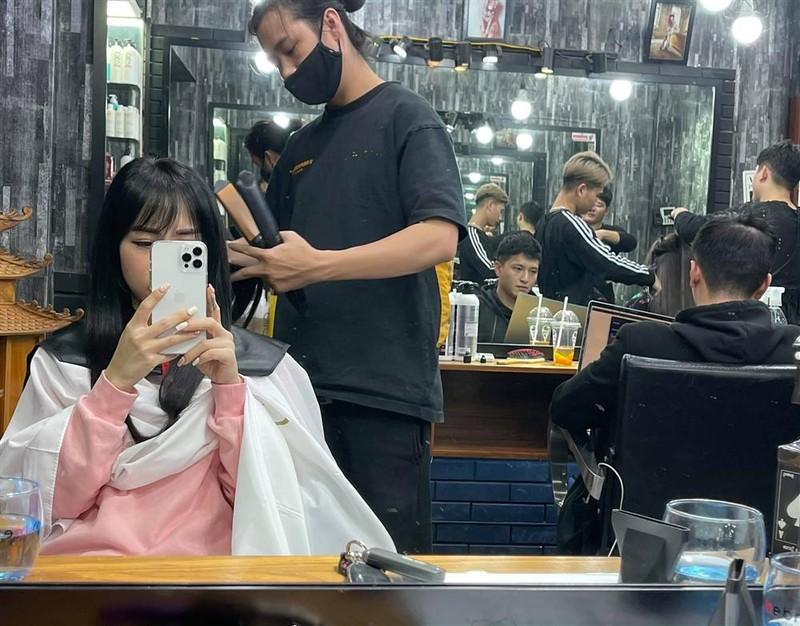 Hot mom yeu Huynh Anh lo nhan sac doi thuc khac xa anh-Hinh-2