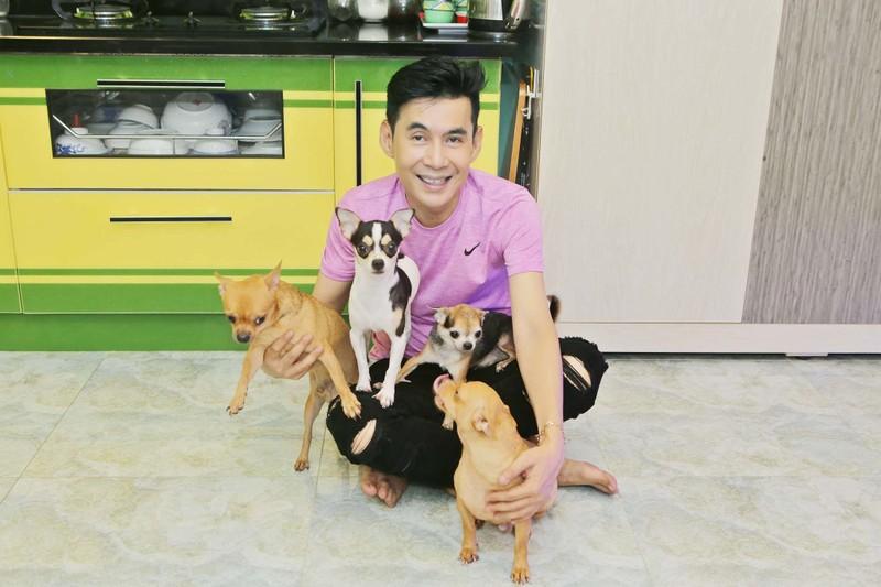 Ca si Doan Truong o nha tri gia 2.000 cay vang-Hinh-3