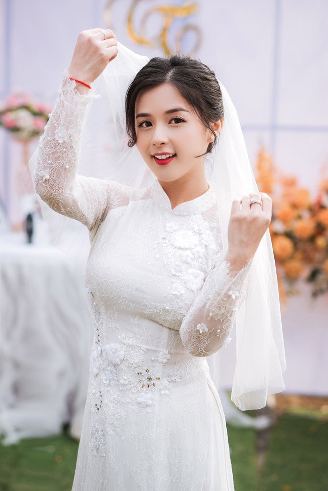Hot girl dan toc Tay dien ao cuoi xinh lung linh-Hinh-3