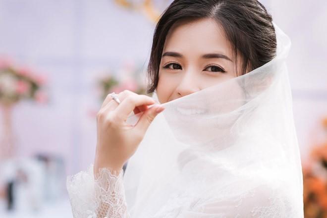 Hot girl dan toc Tay dien ao cuoi xinh lung linh-Hinh-4