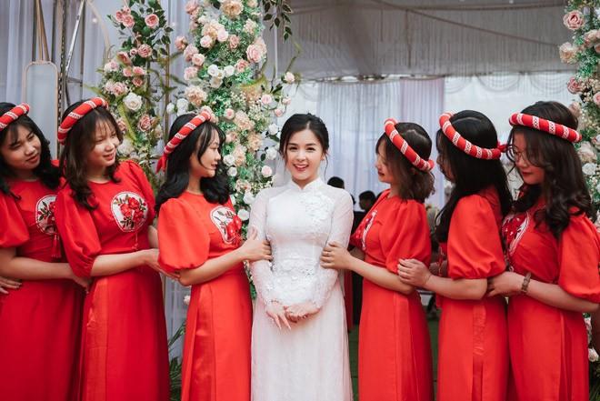 Hot girl dan toc Tay dien ao cuoi xinh lung linh-Hinh-6