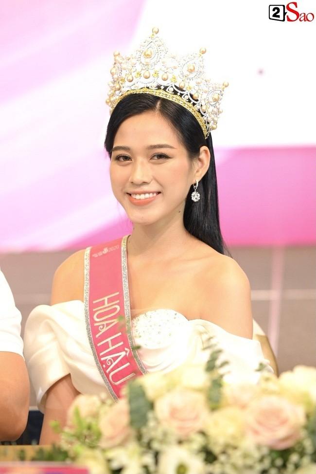 Do Thi Ha gap Dam Vinh Hung: Goi anh hay chu cho phai phep?-Hinh-4