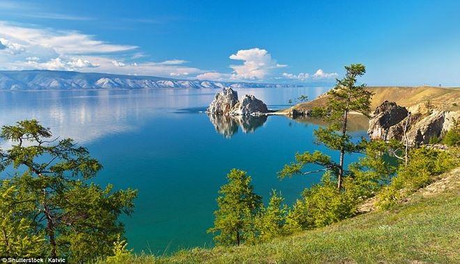 Cộng đồng mạng - Cận cảnh hồ nước ngọt sâu nhất thế giới, niên đại hơn 25 triệu năm