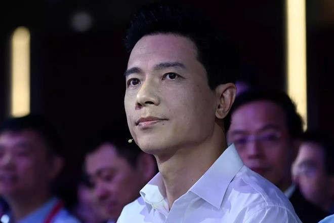 Nguoi vo lam mot hanh dong khien chong phai thot len nu bao chua