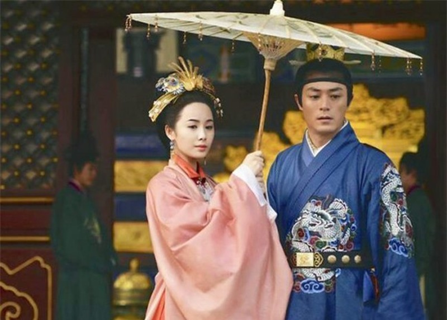 Kham pha vi Hoang de Trung Hoa suot doi mot vo mot chong-Hinh-4