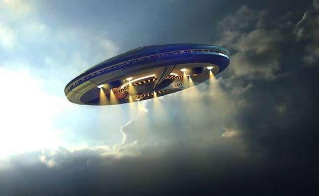Phat hien UFO xuat hien tren bau troi dem cua Hawaii