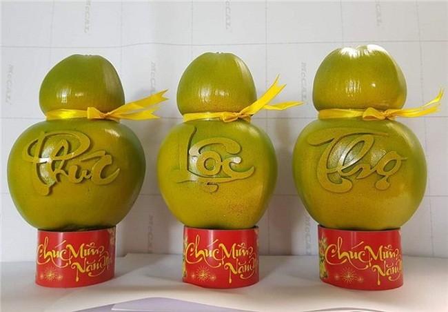 Qua dua la chua tung thay, gia cao ngat nguong van chay hang-Hinh-3