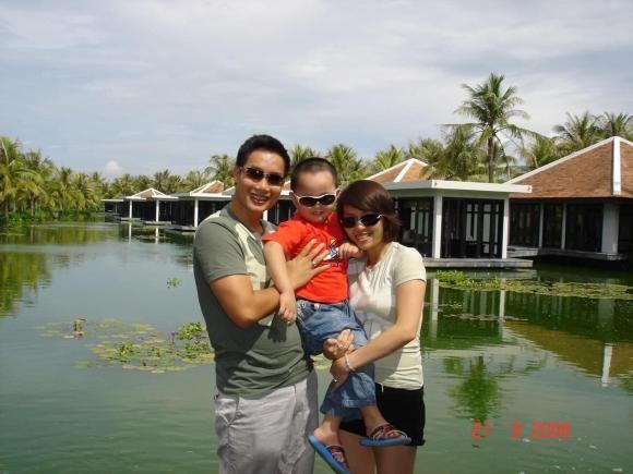 Con trai BTV Hoa Thanh Tung cao lon vuot ca bo me