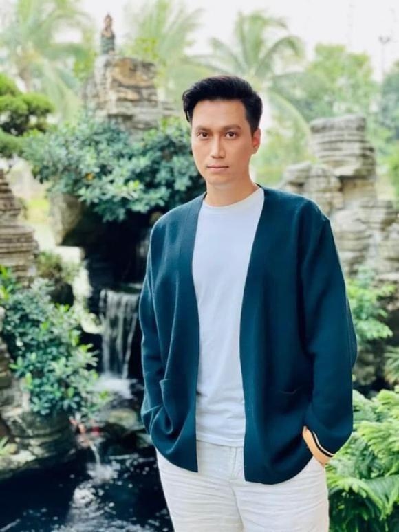 Dien vien Viet Anh van lo mo den sach de bao ve tot nghiep Dai hoc-Hinh-3