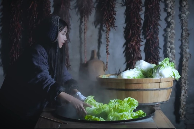 Blogger Ly Tu That bi phan doi vi coi kim chi la cua Trung Quoc