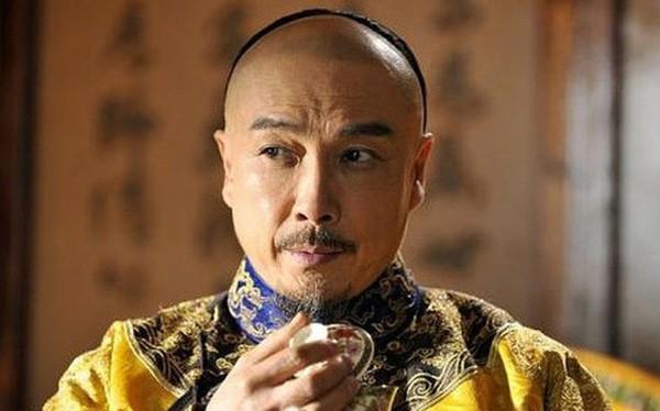 Vua Khang Hi bat ngo chi ra thoi xau cua nguoi dan