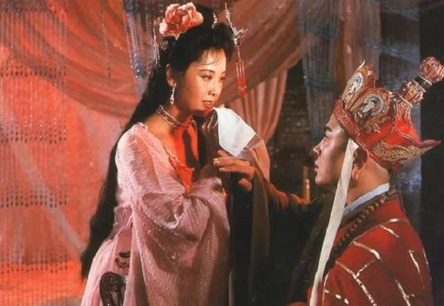 Duong Tang chi loi dung Nu vuong Tay Luong?
